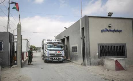 إسرائيل تقرر السماح بتصدير الخردة وإدخال الأجهزة الكهربائية لغزة