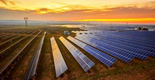 إقبال عالمي على المنتجات المالية لقطاع الطاقة المتجددة