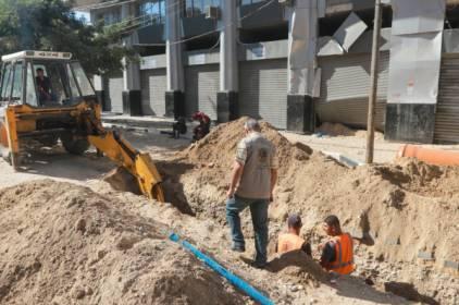 بلدية غزة تشرع بتطوير شبكات الصرف الصحي في 5 مناطق من المدينة