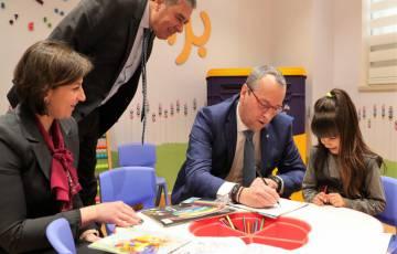 بنك فلسطين يبحث مع المدير الإقليمي لمنظمة اليونيسيف سبل التعاون