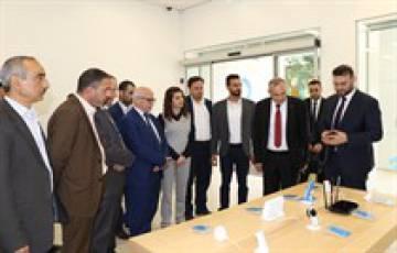 اسحق سدر يزور شركة الاتصالات الفلسطينية بالتل