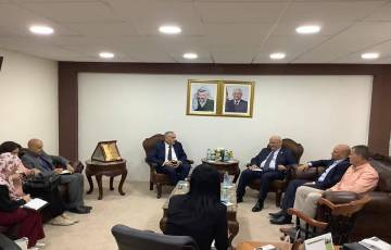 وزارة الاتصالات ودائرة شؤون المفاوضات تبحثان سبل تعزيز التعاون