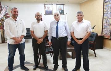 باحث من جامعة الأزهر-غزة يفوز بمشروع لتطوير نموذج صناعي للزجاج الواقي من الأشعة الخطرة