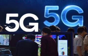 الصين تبني أكثر من 385 ألف محطة قاعدية للجيل الخامس