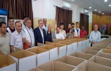 توزيع ألف طرد غذائي على الأسر المتضررة من كورونا في طولكرم