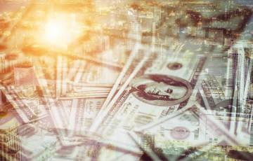ارتفاع مفاجئ للدولار الامريكي