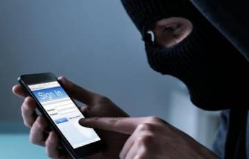 علامات تُخبرك بإختراق هاتفك .. احذرها !