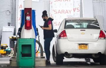 """النفط يهبط بسبب """"الطلب الأميركي"""" على البنزين"""
