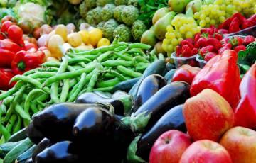 سعر الدجاج واللحوم والخضروات في أسواق غزة اليوم الثلاثاء