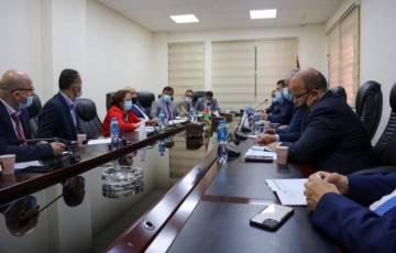 وزارة المالية تعتمد آلية استمرارية للتدفقات النقدية لموردي الأدوية